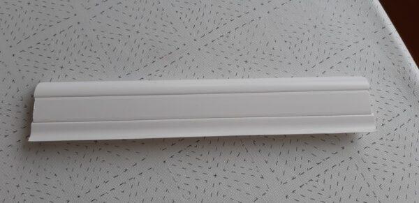 2. Gulvlist HVIT 5,5x1,8x230cm.
